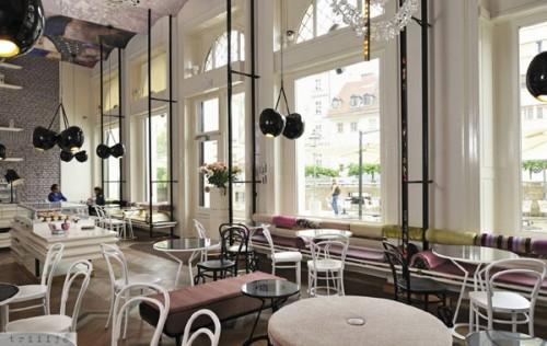 Lolita-coffee-shop-4