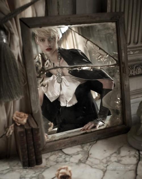 Nastya Kusakina by Mariano Vivanco december 2012 vogue rusia