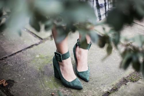 green velvet heels parkandcube.com