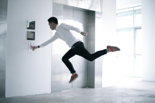 Levitating-around-Singapore-2-640x426