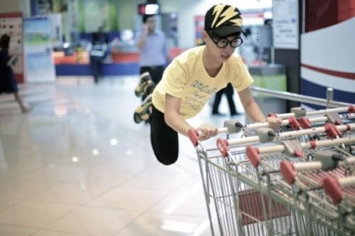 Levitating-around-Singapore-3-640x426