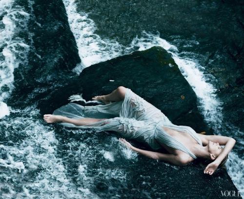 Vogue-Fashiontgraphy-3