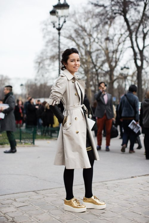 the trench gold thesartorialist.com