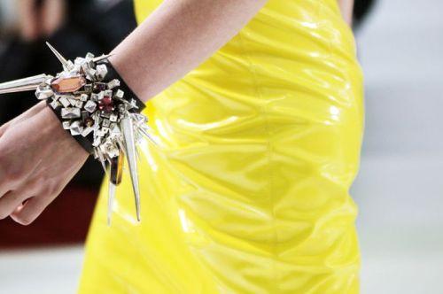 versace bracelet stylebubble.typad.com