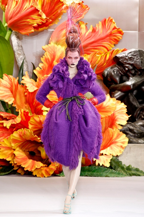 Christian Dior by Galliano fall10 hc style.com